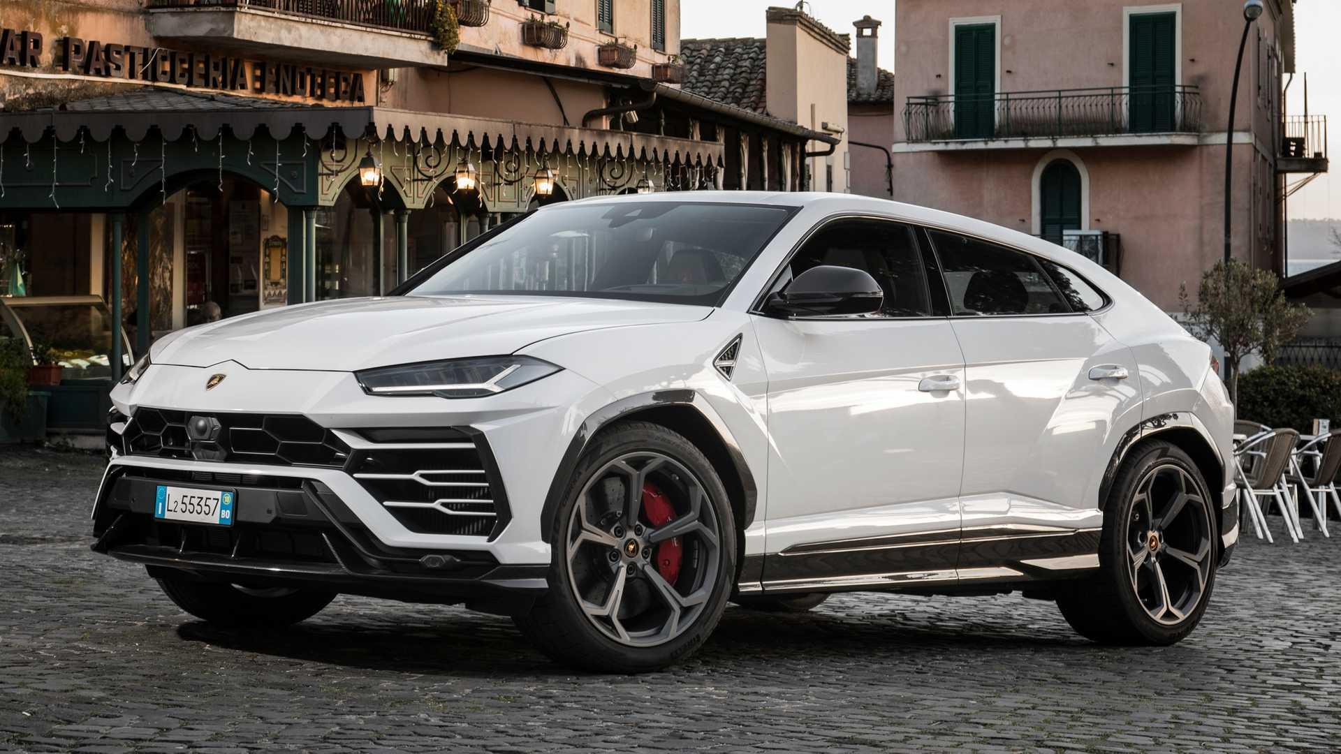 Lamborghini Urus, SUV Tercepat Yang Pernah ada di Lightning Lap