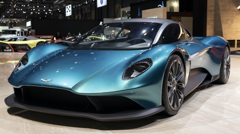 Aston Martin Vanquish Akan Menjadi Supercar Bertenaga 700HP
