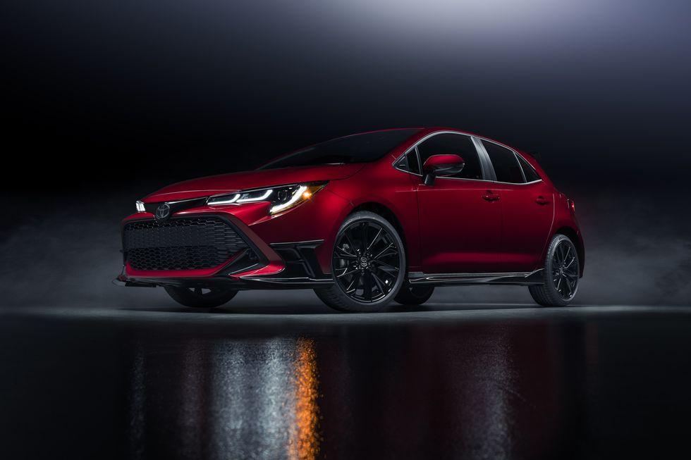 Toyota Corolla Hatchback 2021 Dapat Edisi Khusus Merah Merona