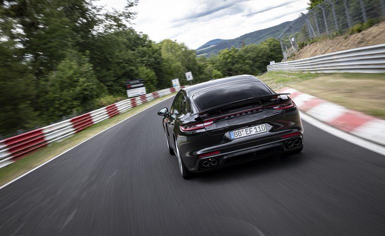 Porsche Panamera 2021 Mencetak Rekor di Nürburgring
